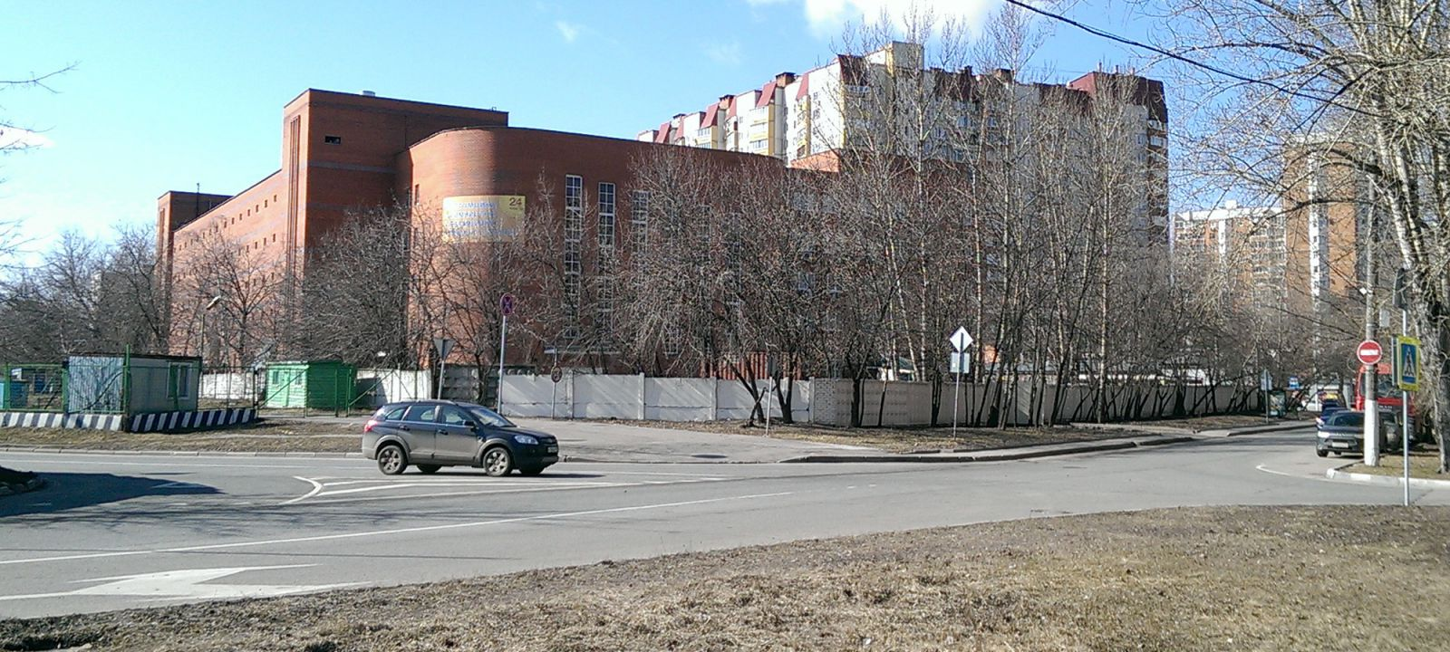 Вид со стороны проезда Серебрякова